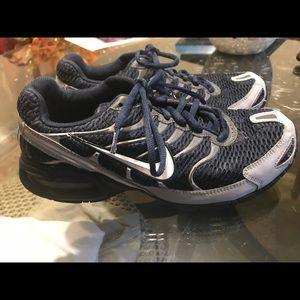 Men's navy blue Nike Air tennis shoes